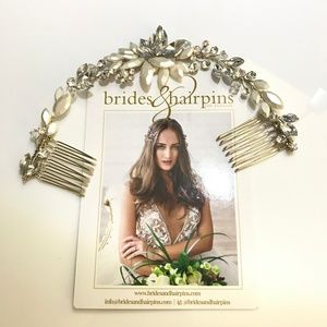 Brides and Hairpins Rhea Crystal Halo Comb